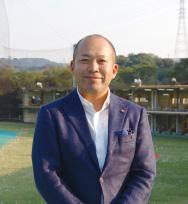 代表取締役社長 岩﨑聖秀氏